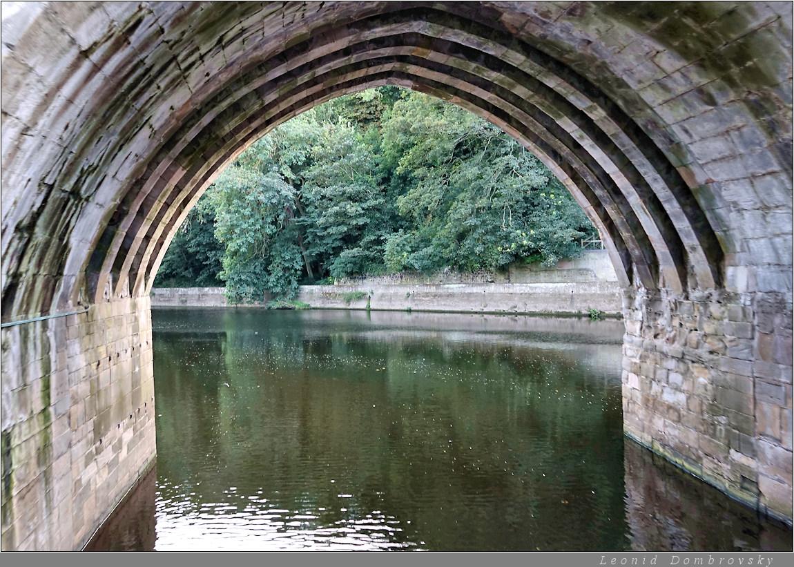 Floating under the bridge
