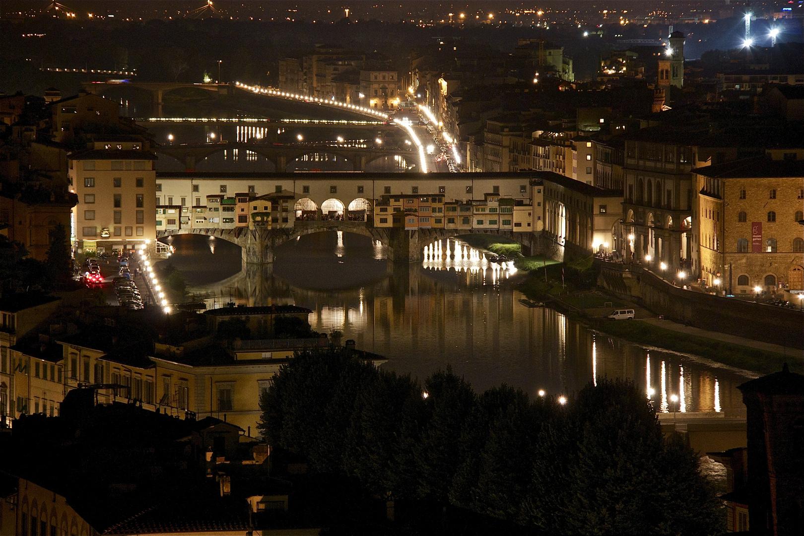 Florencia es bella hasta de noche...