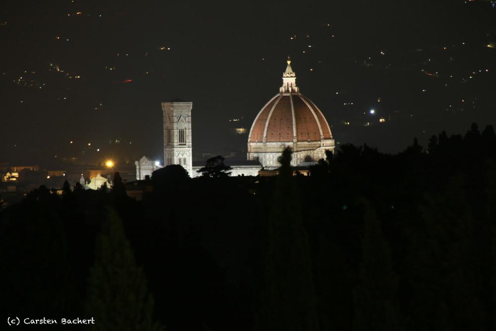 Florenz Duomo mit Campanile bei Nacht