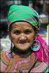 ~ Flower Hmong ~