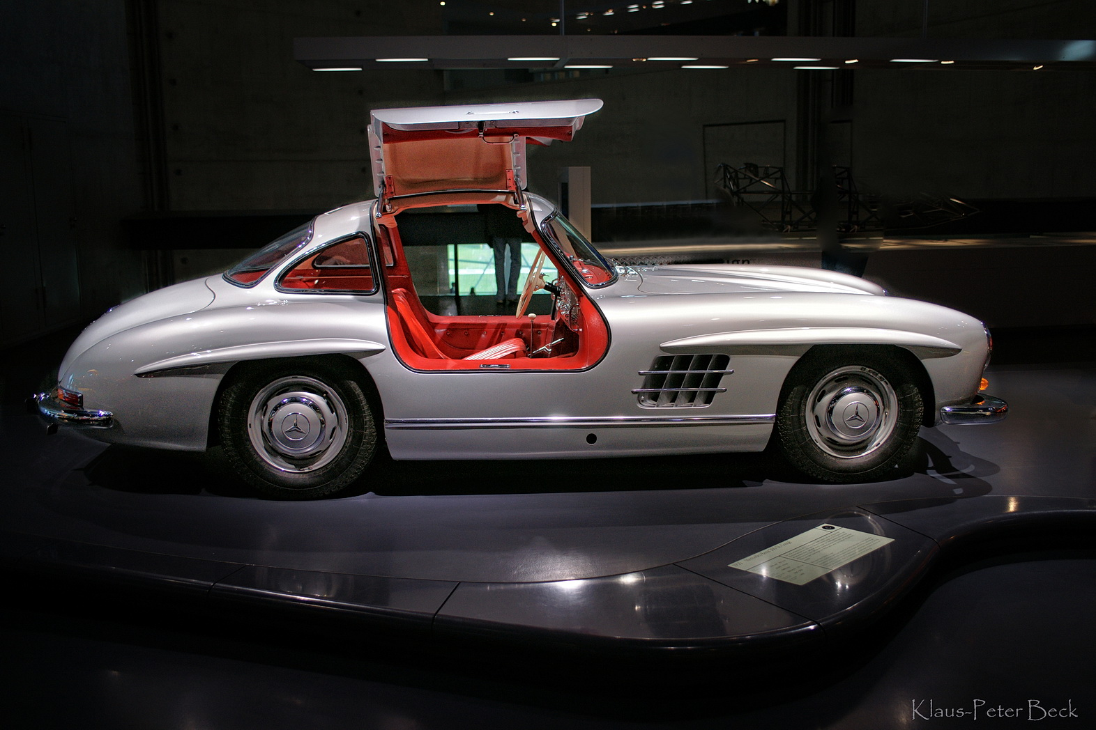 fl gelt rer mercedes 300 sl foto bild autos. Black Bedroom Furniture Sets. Home Design Ideas