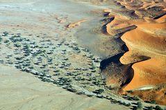 Flug über die Namib