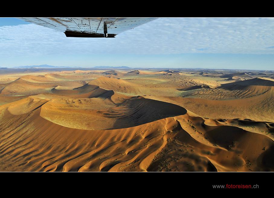 Flug über die Wüste Namib