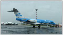 Flughafen - die alte Fokker - im Dienst der KLM
