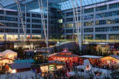 Flughafen München Airport Center Weihnachtsmarkt 2014 ..........