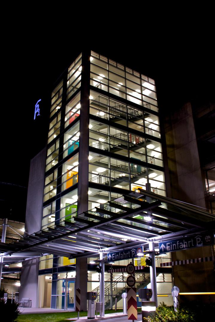Flughafen Nürnberg - Parkhaus