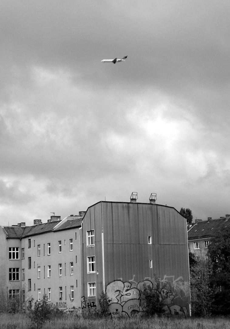 Flugzeug über Berlin