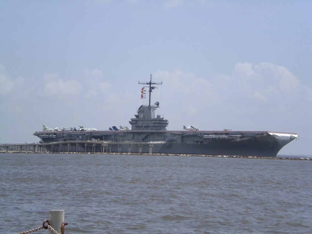 Flugzeugträger am Golf von Mexiko