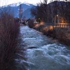 Fluss in Aufruhr