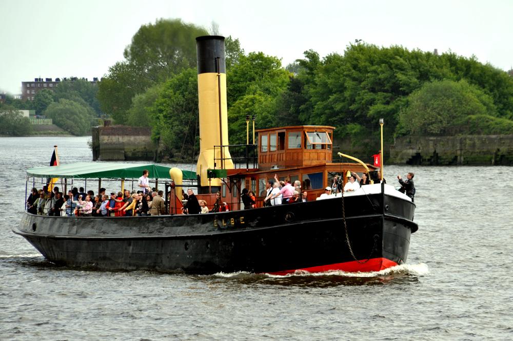 Flusseisbrecher Elbe