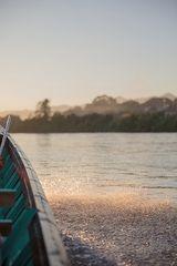 Flußfahrt zum Dorf