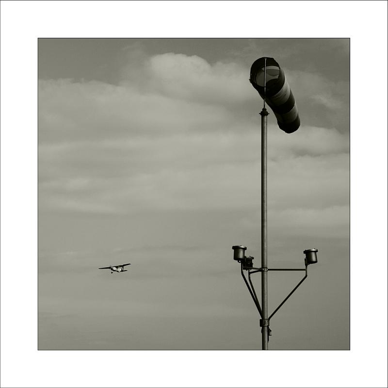 ---*- fly away [2] -*---