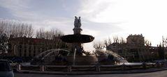Fontaine de la Place de la Rotonde à Aix en Provence ...