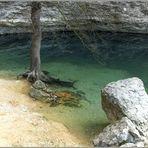 Fontaine de Vocluse: ein natürliches Märchenmotiv