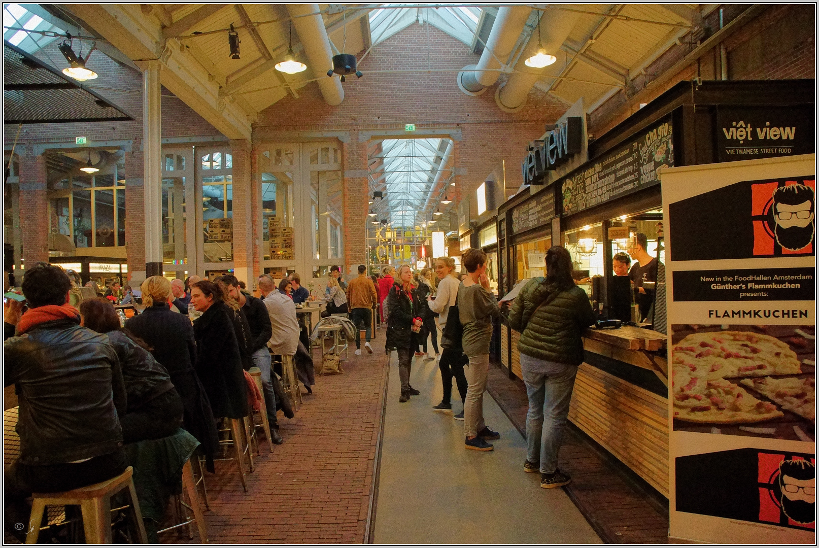 Foodhalle in Amsterdam