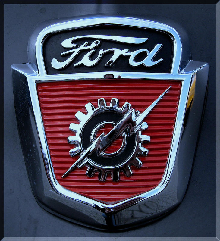 ... Ford F100 (1) ...