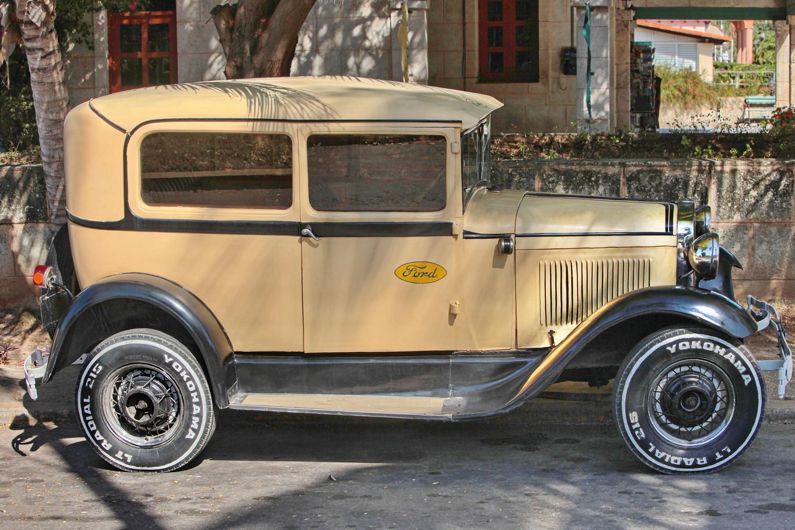 Ford Model ??? - Cuban Oldtimer