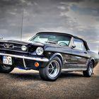 Ford Mustang am Leuchtturm