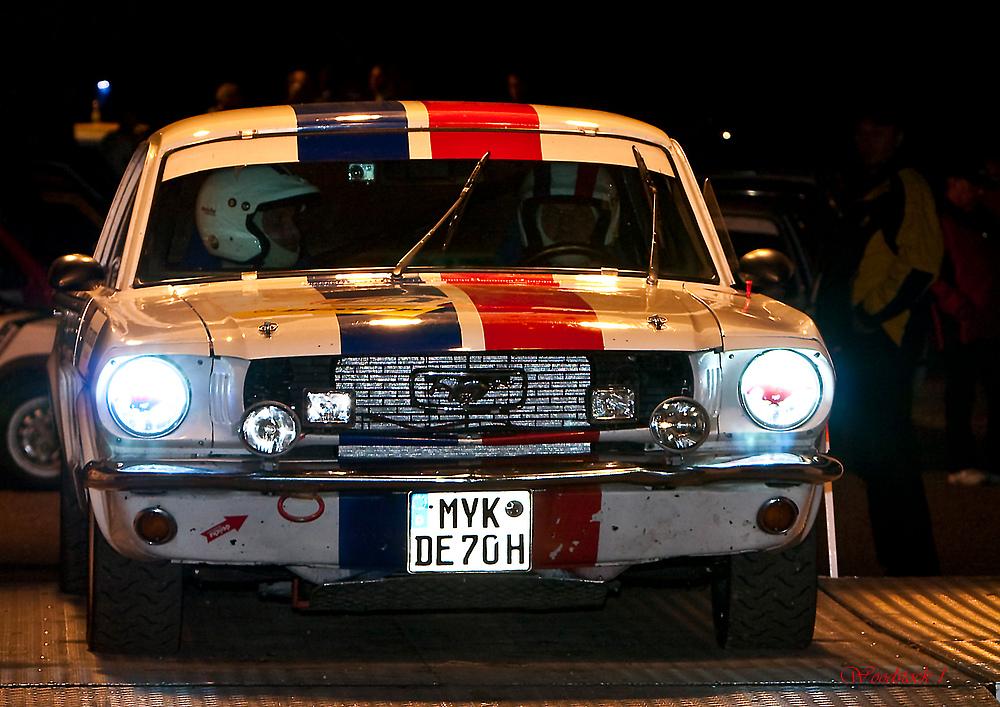 Ford Mustang am Start zur Rallye Köln-Ahrweiler