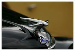 Ford und Mercedes