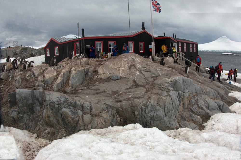 Forschungsstation auf der Antarktischen Halbinsel