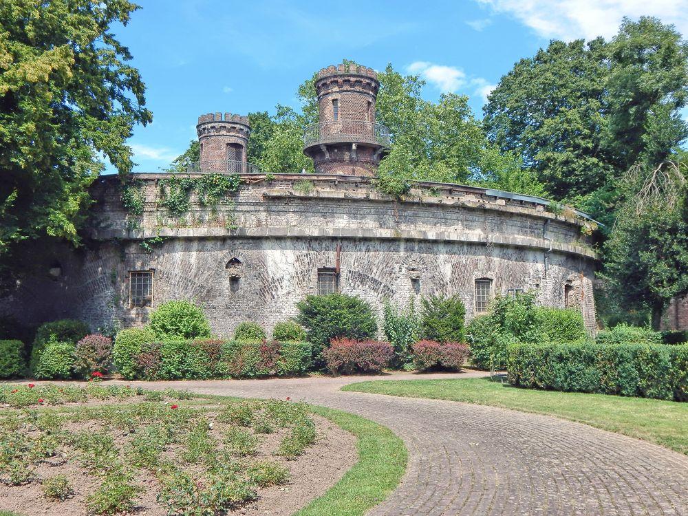 "Fort IV ""Erbgroßherzog Paul von Mecklenburg"" in Köln"