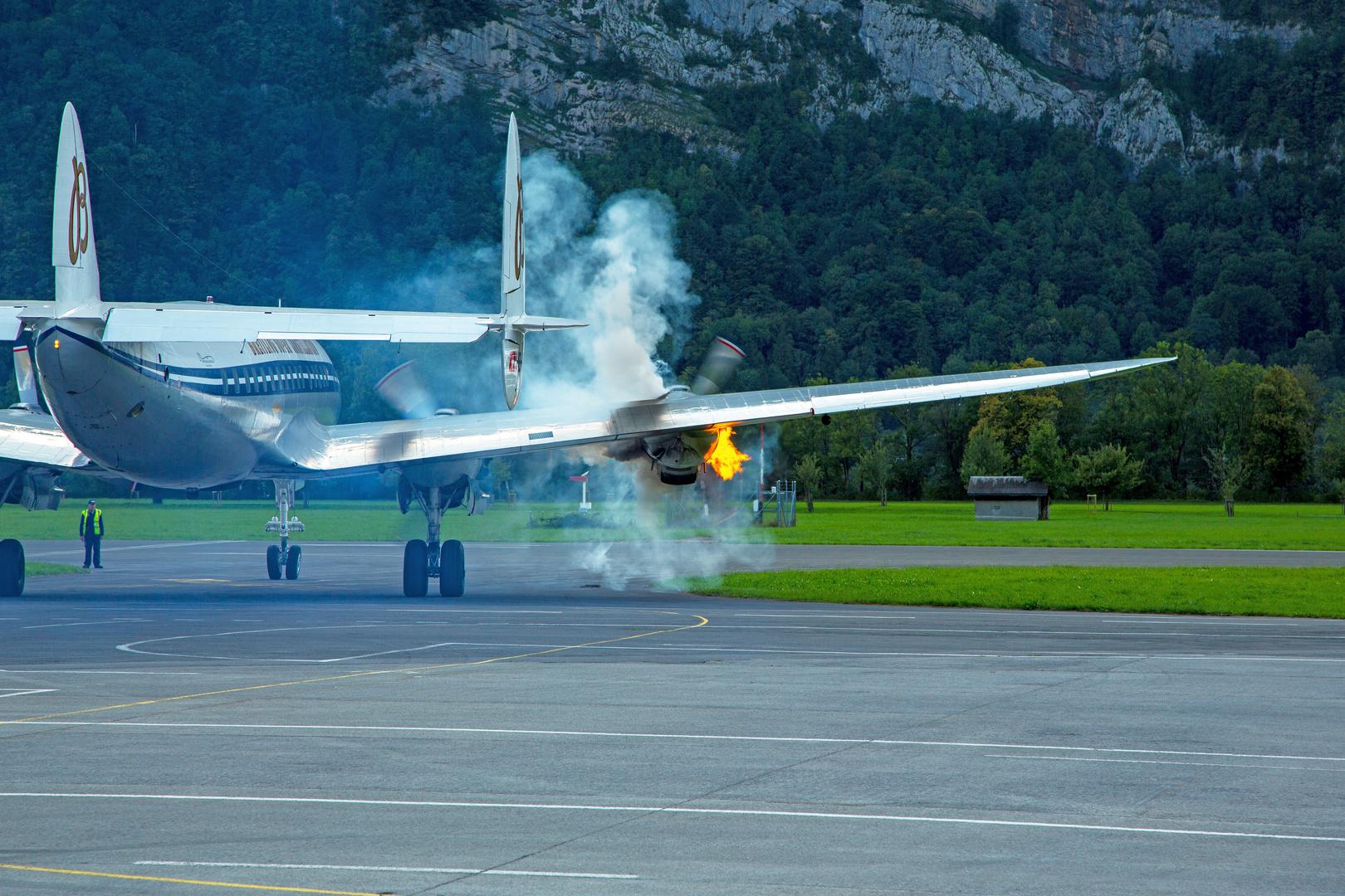 Foto für Axel aus der Pfalz: Start des 18-Zylinder Sternmotor der Superconnie