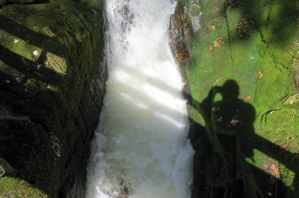 Fotograf am Wasserfall