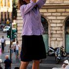 Fotografare è intraprendere: una fotografa intraprendente che punta verso l'alto