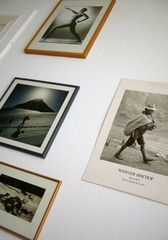 Fotos an der Wand