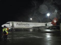 Fotoshooting auf dem Flughafen Zürich: HB-JVF ( (Fokker F28 MK.0100)