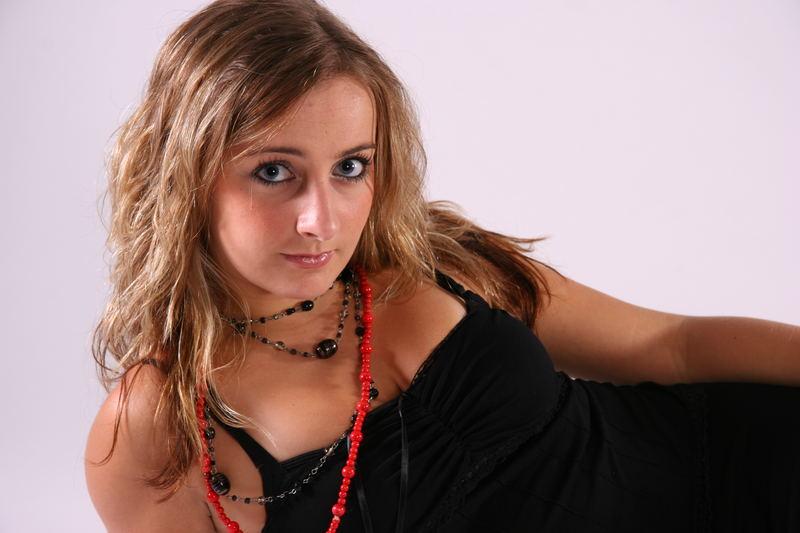 Fotoshooting V - Bild 1 - Rot ist die Farbe der Liebe...