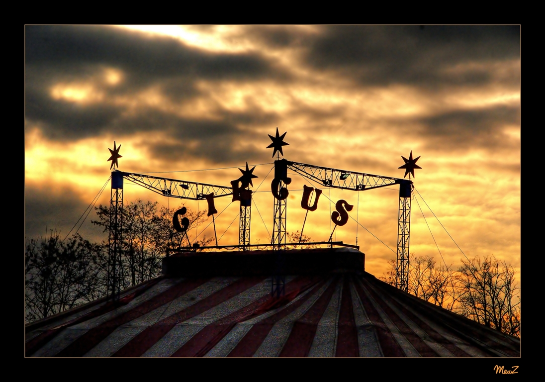 ... Four stars Circus...