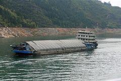 Frachtschiff auf dem Jangtse (Jangtsekiang) -4-