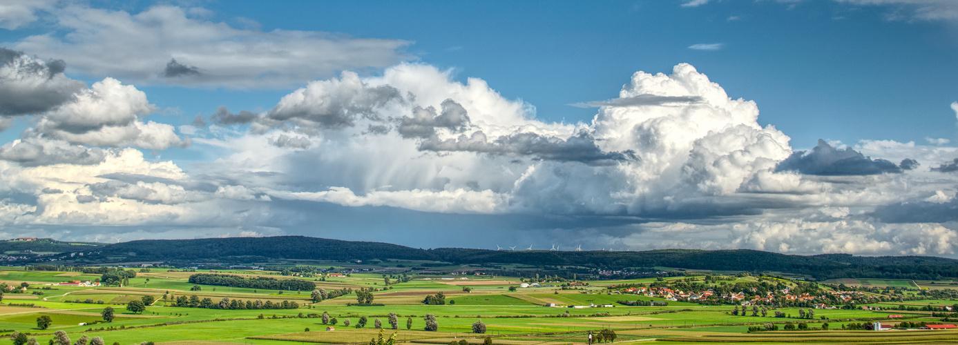 Fränkische Landschaft im Sommer