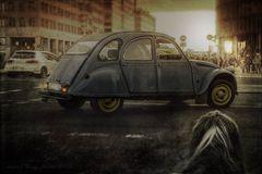 Fräulein E. in der großen weiten Welt und dann noch das blaue Auto...