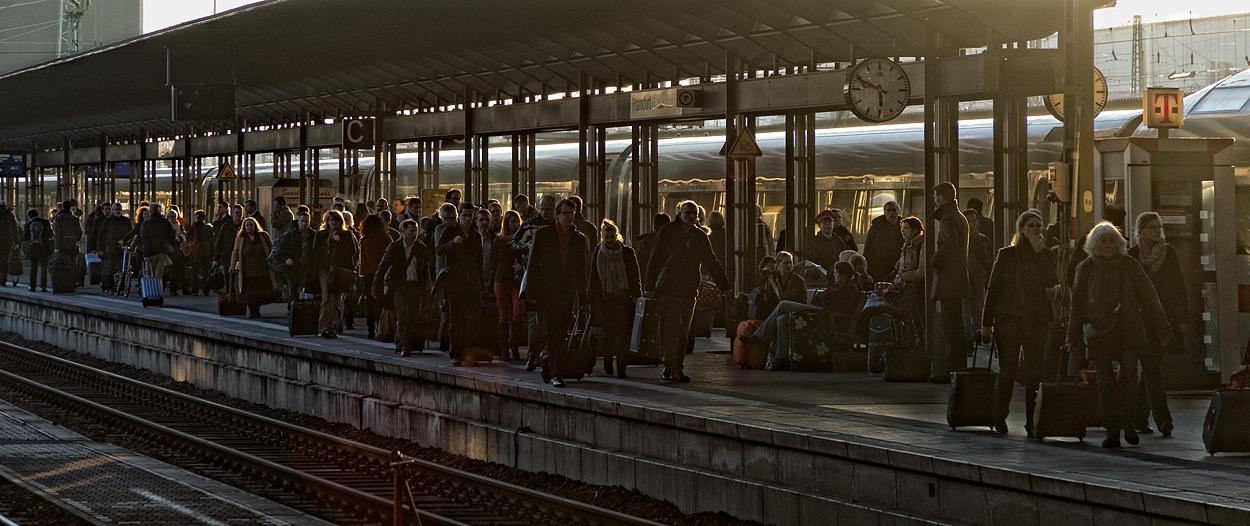 Frankfurt am Main - Hauptbahnhof, unterwegs nach Wien
