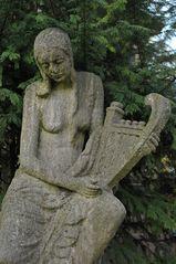 Frankfurt am Main, Hauptfriedhof: Der Engel mit der Laute