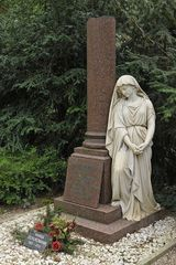 Frankfurt am Main, Hauptfriedhof: Der Engel von Frau Schweighöfer