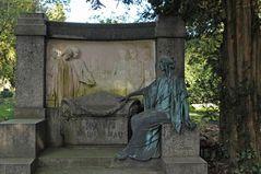 Frankfurt am Main, Hauptfriedhof: Familiengrab Rau