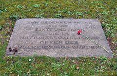 Frankfurt am Main, Hauptfriedhof: Zum Gedenken an die 500.000 Sinti und Roma