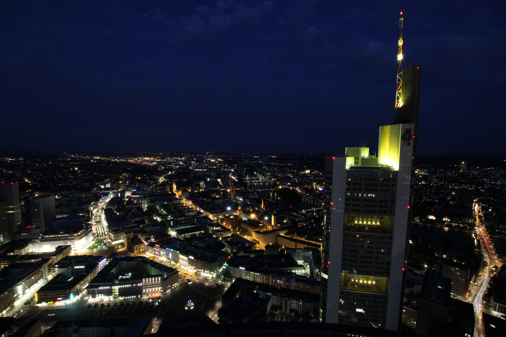 Frankfurt bei Nacht III