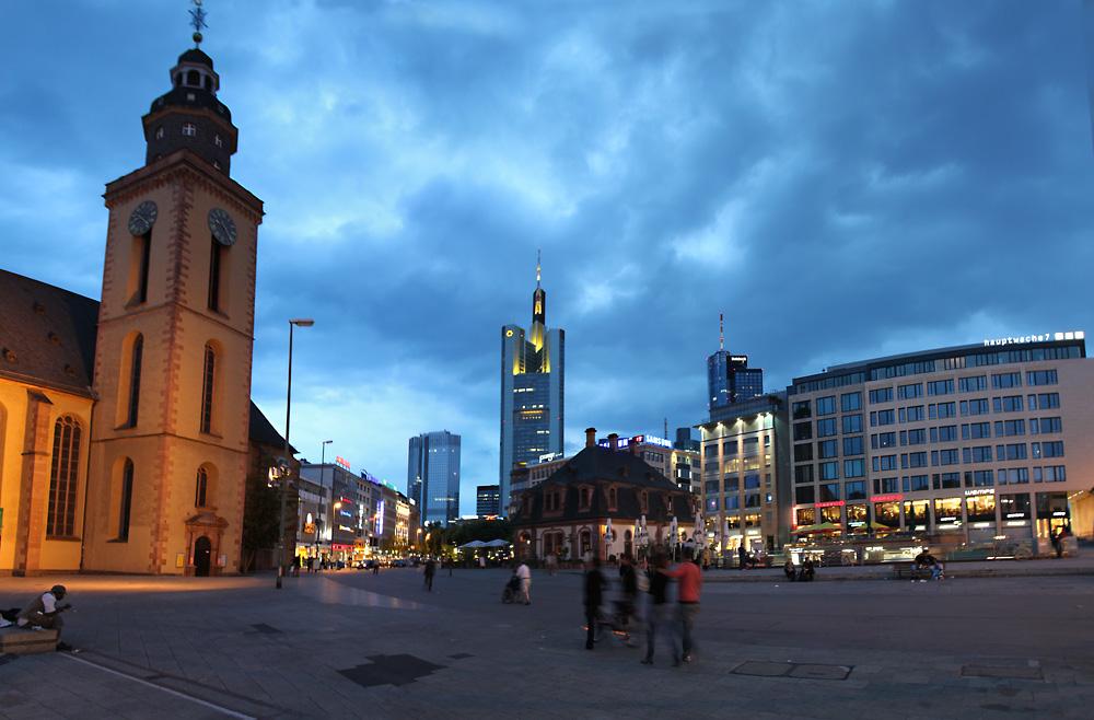 frankfurt hauptwache foto bild architektur stadtlandschaft stadtlandschaften bei nacht. Black Bedroom Furniture Sets. Home Design Ideas