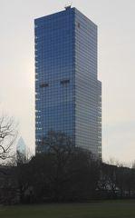 Frankfurt - Hochhaus am Park (in der Nähe des Uni Campus)