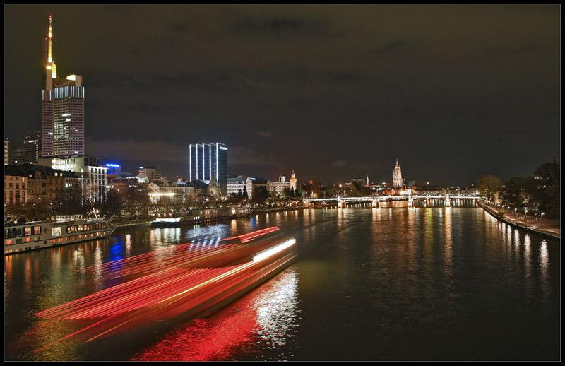 Frankfurt Mainbrücke (vom eisernen Steg aus gesehen)