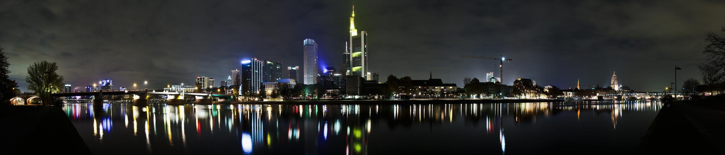 Frankfurt Nacht Pano1