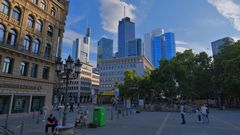 "Frankfurt, Opernplatz (Frankfurt, la plaza ""Opernplatz"")"