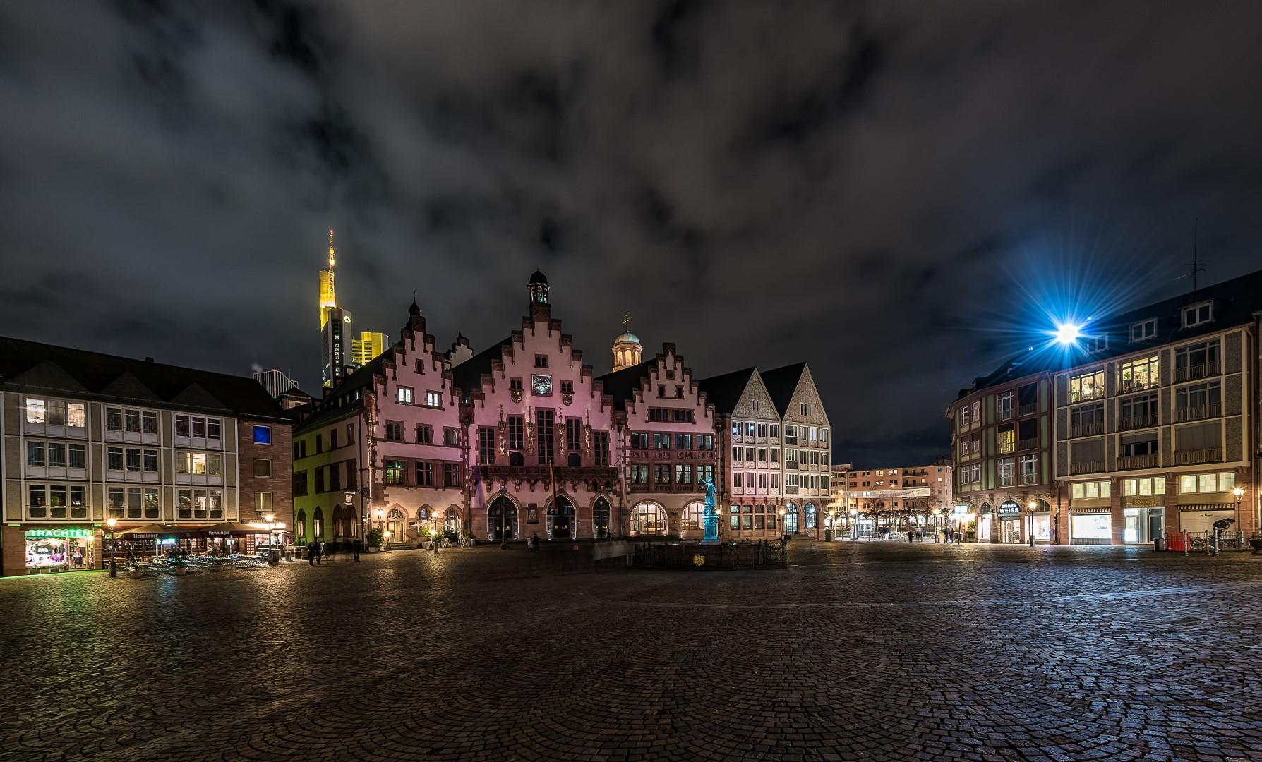 Frankfurt Römer bei Nacht