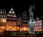 Frankfurt Römerberg Ostzeile und Gerechtigkeitsbrunnen mit Justitia