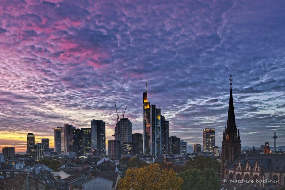 Frankfurt Skyline Abendhimmel